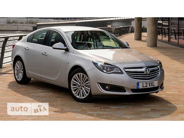Opel Insignia Hatchback фото 1