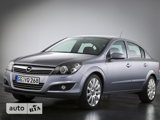 Opel Astra H Sedan фото 1