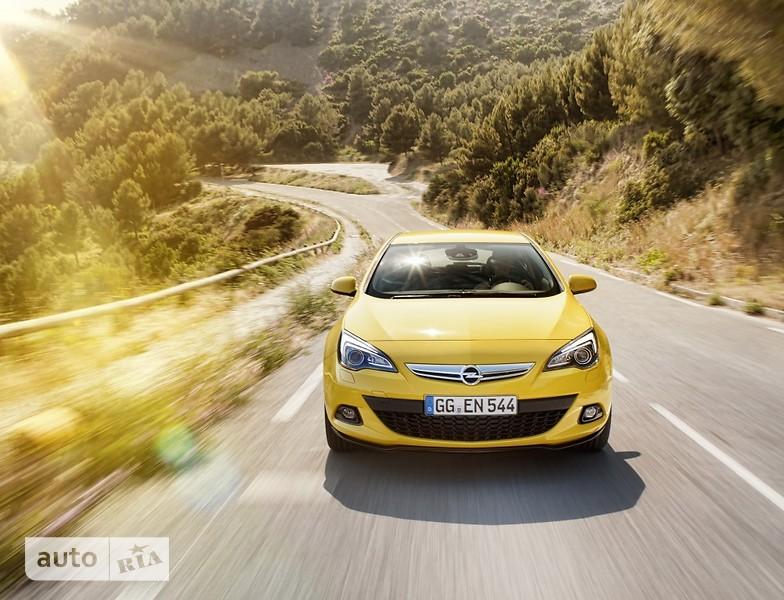 Opel Astra J GTC фото 1