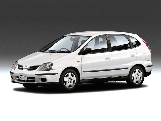 Nissan Tino фото 1