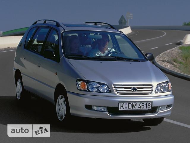 Toyota Picnic фото 1