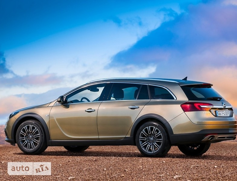Opel Insignia Country Tourer фото 1
