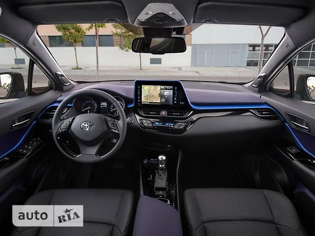 Toyota C-HR фото 1