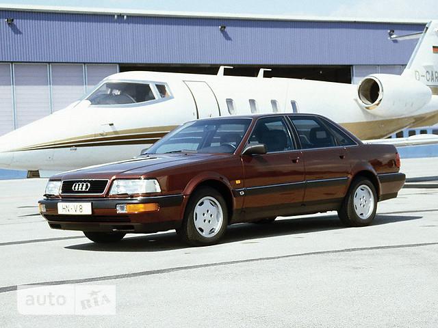 Audi V8 фото 1