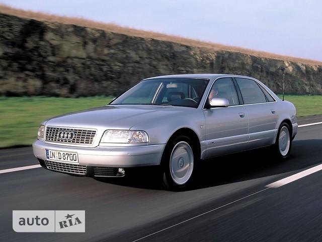 Audi A8 фото 1