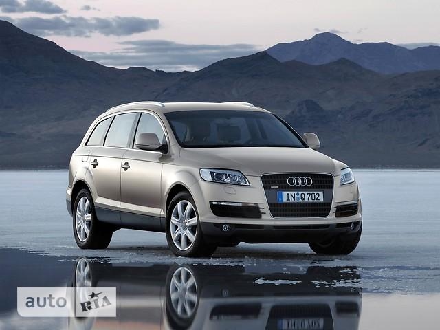Audi Q7 фото 1