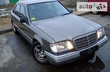 Mercedes-Benz E-Class W124E300D 1995