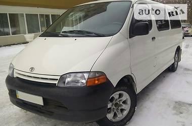 Toyota Hiace пасс. 2LT 2000