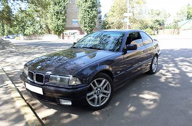 BMW 323 1996