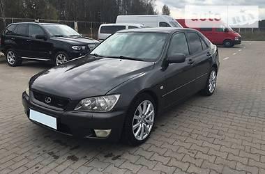 Lexus IS 200  2002