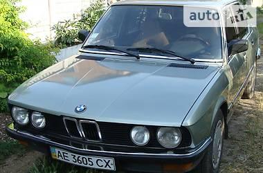BMW 520 Е 28 1983
