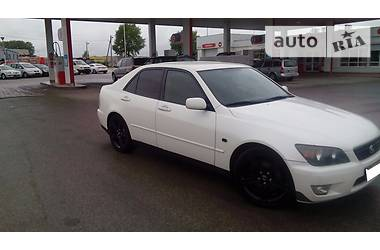 Lexus IS 200  1999
