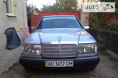 Mercedes-Benz E-Class 124 1989