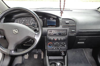 Opel Zafira 1.8i 1999