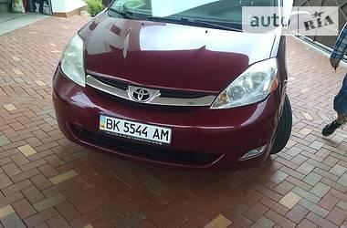 Toyota Sienna 3.5i 2008