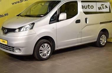 Nissan NV  2011