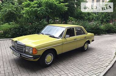 Ретро автомобили Классические E220D 1978