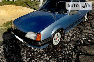 Opel Rekord E2 1985