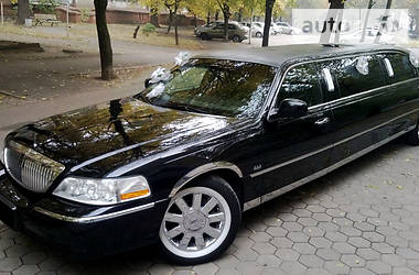 Lincoln Town Car Cartier L 2003