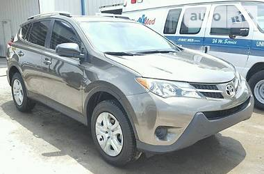 Toyota Rav 4 LE 2015