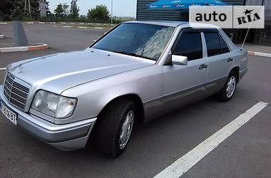 Mercedes-Benz 220 1993