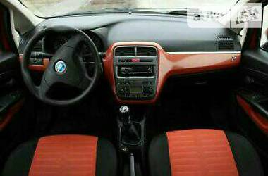 Fiat Grande Punto 1,4  8клапан 2006