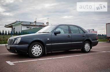 Mercedes-Benz E-Class Elegance 1996
