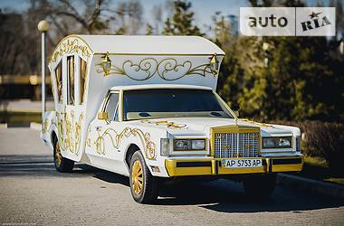 Lincoln Town Car Карета 2013