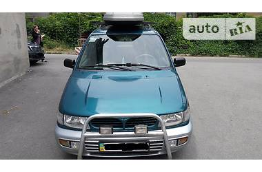 Mitsubishi Space Runner 1996