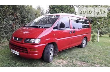 Mitsubishi L 400 пасс. 2001