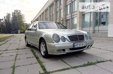 Mercedes-Benz E-Class Classic 2001