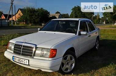 Mercedes-Benz 260 1986