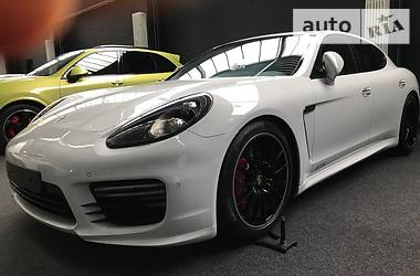 Porsche Panamera GTS 4.8 LED 2017
