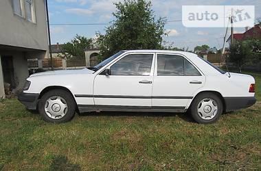 Mercedes-Benz 260 1989
