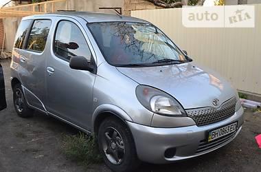 Toyota Yaris Verso 2000
