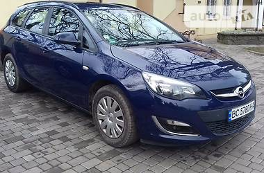 Opel Astra J SPORTS TOUER 2013