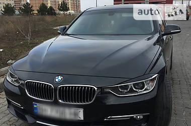 BMW 320 luxury 2013