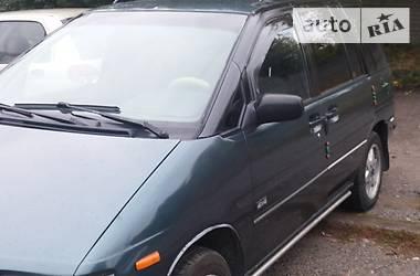 Nissan Prairie m11 1993