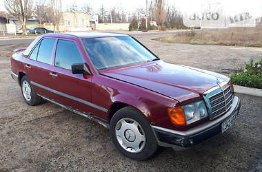 Mercedes-Benz 200 W124 200D 1986