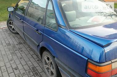 Volkswagen Passat B3 люкс 1990