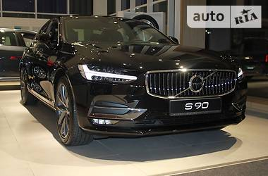 Volvo S90 D4 2.0 8AT 2018