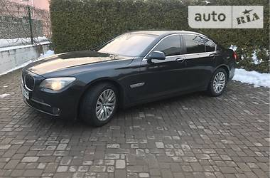 BMW 740 2012