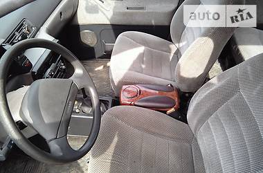 Nissan Prairie М11 1992
