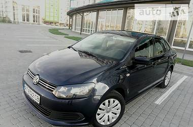 Volkswagen Polo *IDEAL* 2012