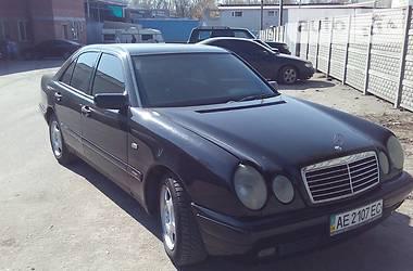 Mercedes-Benz 210 1997