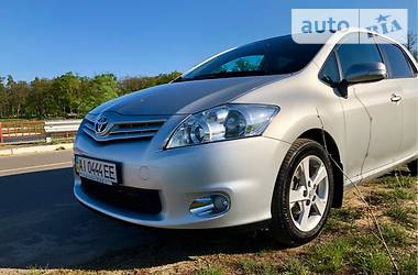 Toyota Auris restyled 2012