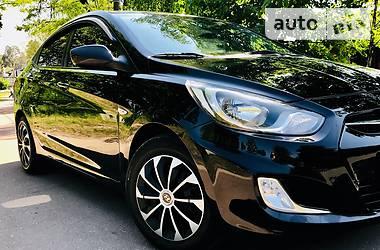 Hyundai Accent  1.6 comfort+ 2013