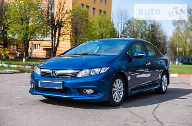 Honda Civic ES+ 2012