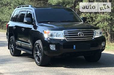 Toyota Land Cruiser 200 4.5 D 2013