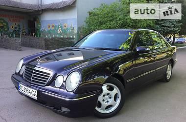 Mercedes-Benz E 320 AVANTGARDE 2001